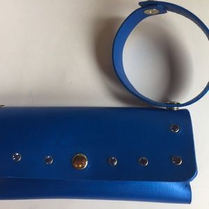 Cell phone case/wristlet